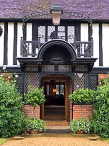 Ascott House entrance, Wing Buckinghamshire