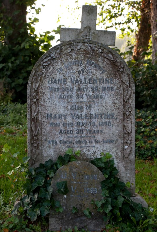 Gravestone of Jane Vallentine and Mary Vallentine in Wing Buckinghamshire