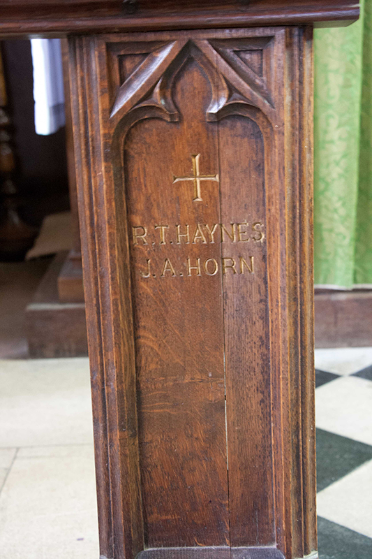 Memorial of RT Haynes and JA Horn in Wing Buckinghamshire