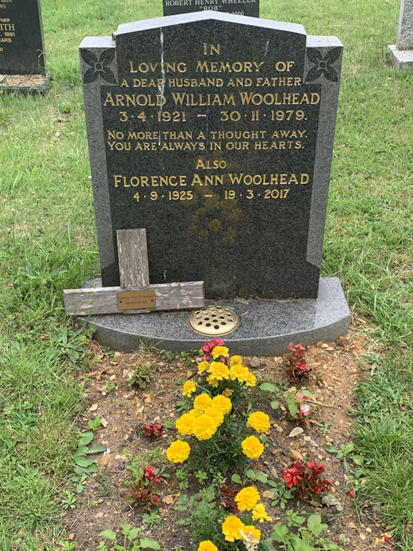 Gravestone of Arnold William Woolhead and Florence Ann Woolhead in Wing Buckinghamshire