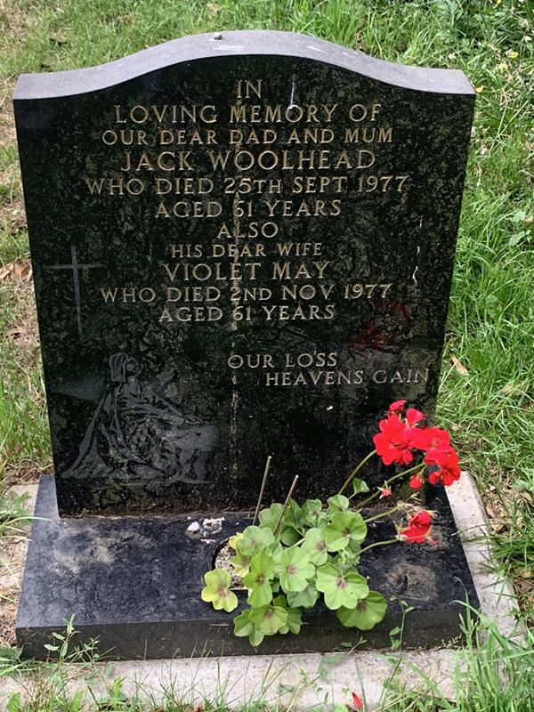 Gravestone of Jack Woolhead and Violet May Woolhead in Wing Buckinghamshire