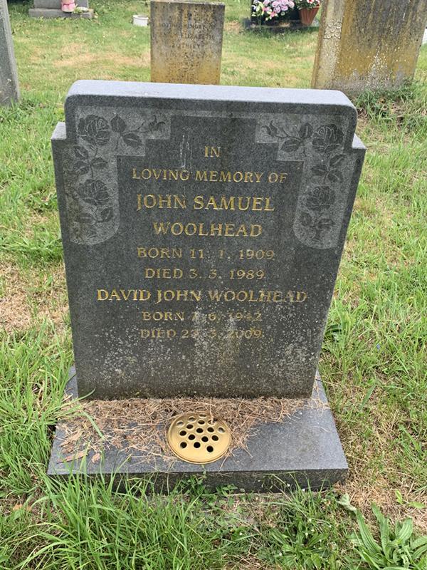 Gravestone of John Samuel Woolhead and David John Woolhead in Wing Buckinghamshire